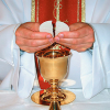 CZY WIERZYSZ, ŻE JEZUS JEST PRAWDZIWIE OBECNY PODCZAS SPRAWOWANIA EUCHARYSTII?